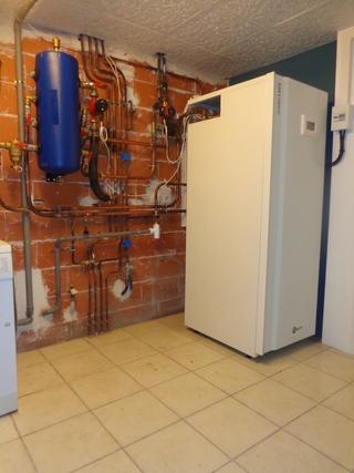 Rénovation - Pompe à chaleur Air Eau -ARKTEOS ZURAN 100V ECS 2 interieur